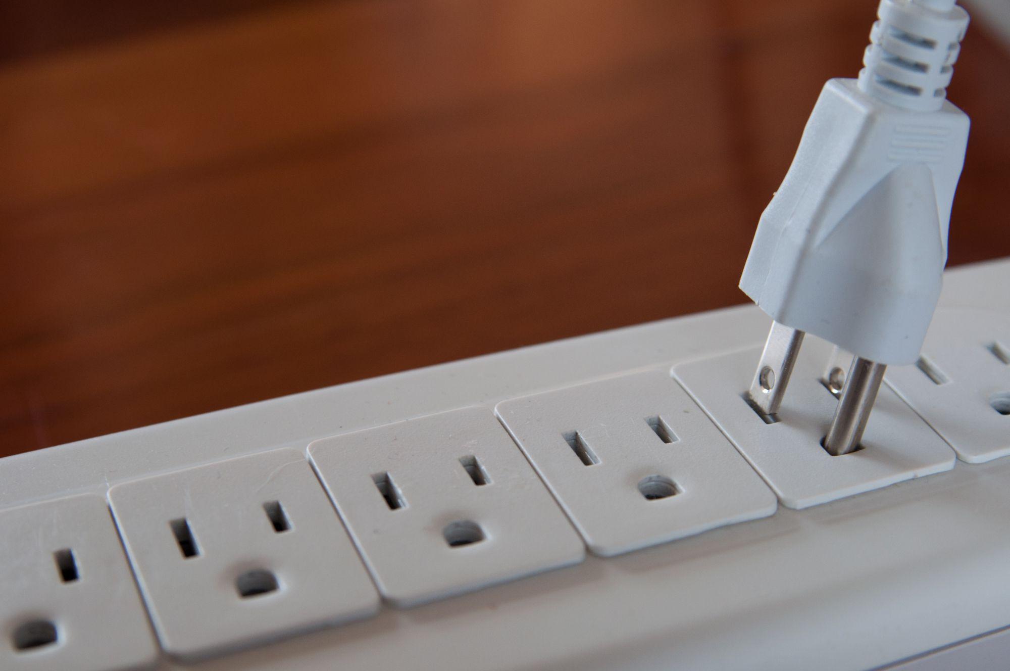 10.パソコンの放電処置を行う方法と理由_3875329_M_compressed