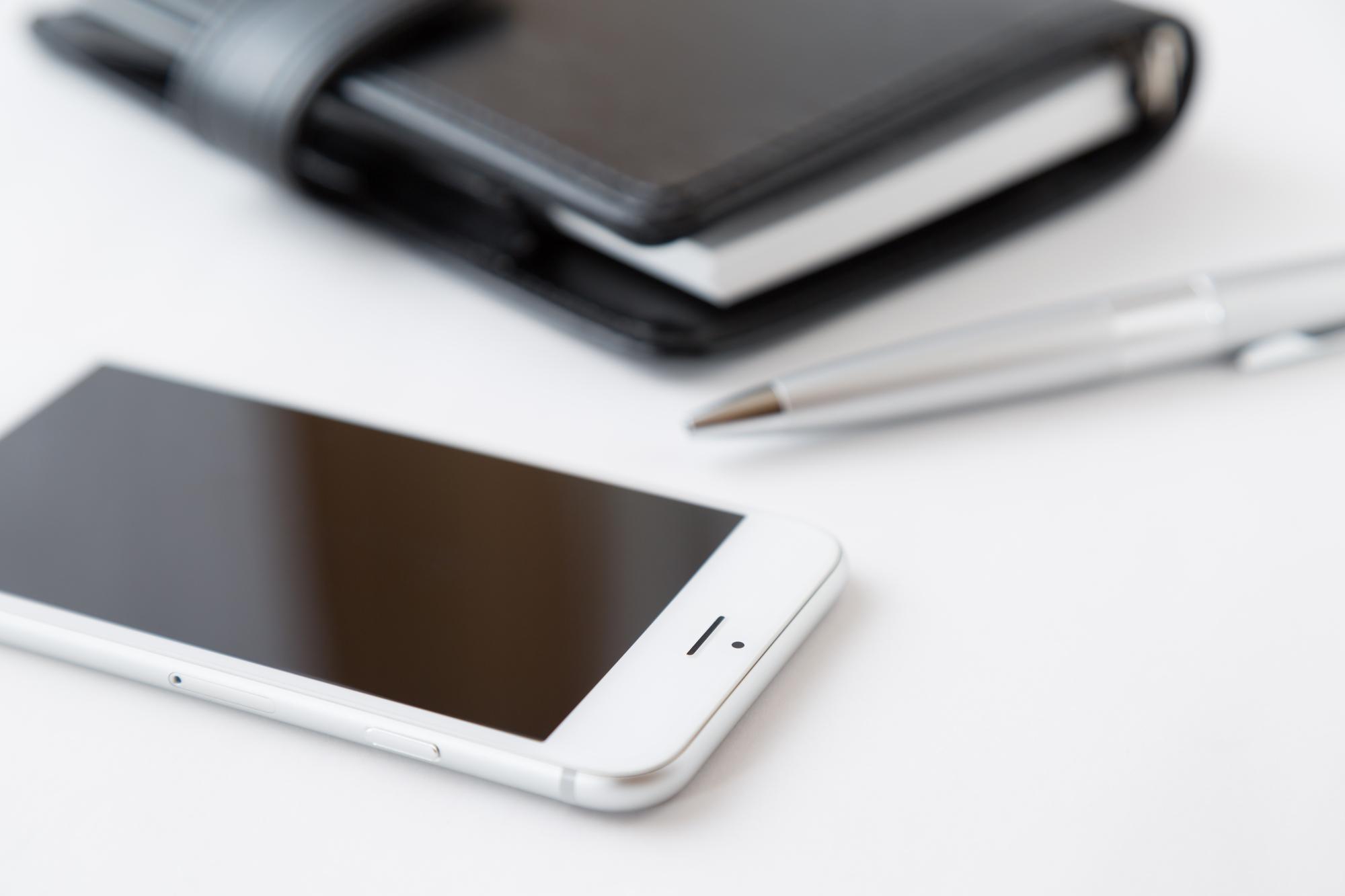 76_iPhoneの画面が突然真っ暗に!原因とすぐにやるべき対処法